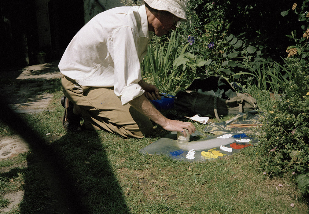 Sargy Mann painting in the Garden of 58 Lyndhurst Grove
