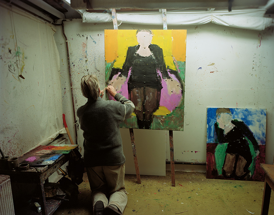 Sargy Mann working on 'In the Black Coat with Pink Lining. Photograph by Peter Mann